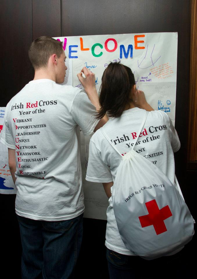 Irish Red Cross Youth Forum 2011 - Youth Members write welcoming messages for refugees in Ireland
