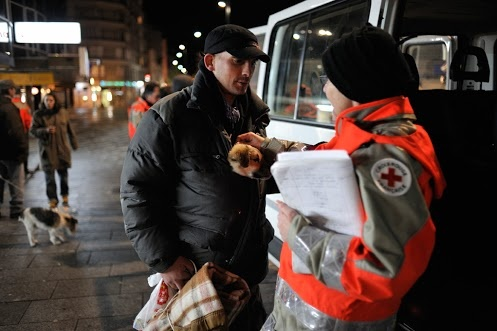 33 000 people in great difficulty who are homeless in France according to the latest figures from INSEE. www.croix-rouge.fr