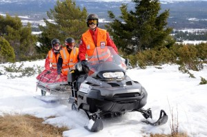 The Norwegian Red Cross providing snow mobile safety courses